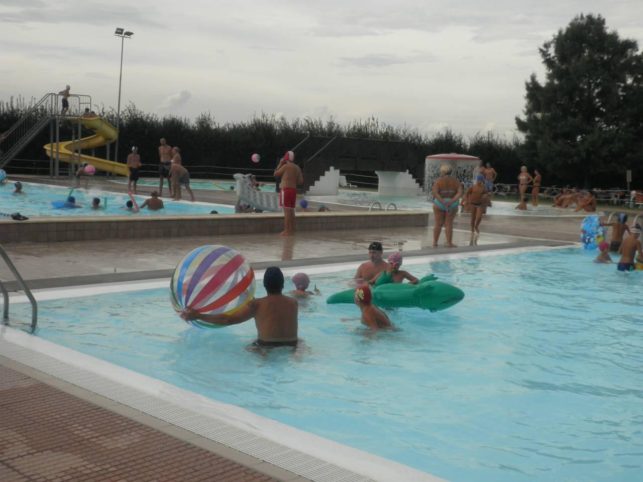 Ferragosto alle querce centro sportivo le querce for Centro sportivo le piscine